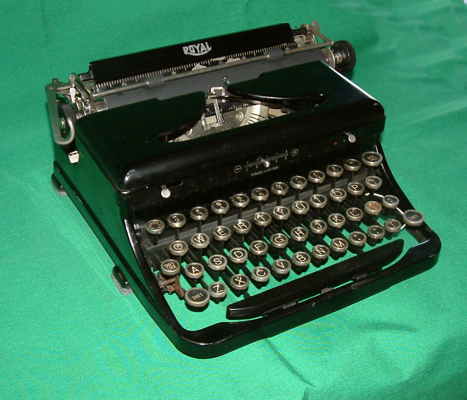 Vintage typewriter for sale #9